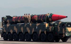 Nhật Bản tố tàu Trung Quốc chuyển hàng cho Triều Tiên bất chấp lệnh cấm vận - ảnh 1
