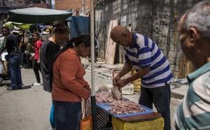Át chủ bài hồi sinh Venezuela: Tổng thống nói một đằng, Bộ trưởng đáp một nẻo nhưng không ai thực hiện - ảnh 4