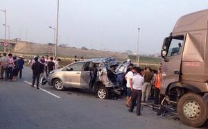 Xử phúc thẩm vụ xe container đâm Innova trên cao tốc, người thân nạn nhân ngất xỉu - ảnh 4