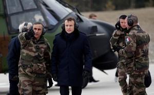 """Đến Paris làm khách quý, ông Donald Trump """"mắng"""" phủ đầu chủ nhà"""