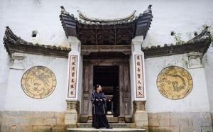 Huyện Đồng Văn trả sổ đỏ dinh thự cho cháu nội Vua Mèo - ảnh 4