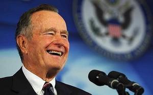 Chuyến câu cá để đời: TT Putin đã nói gì về màn thể hiện tay lái lụa của ông Bush cha? - ảnh 1
