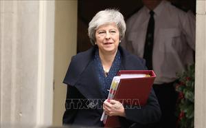 """Thủ tướng May """"sống sót"""", ly dị Anh – EU vẫn bế tắc"""
