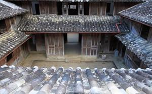 Huyện Đồng Văn trả sổ đỏ dinh thự cho cháu nội Vua Mèo - ảnh 2