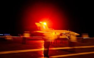 Iran dàn trận địa tên lửa đón lõng máy bay Mỹ: Mưu sâu, kế hiểm! - ảnh 6