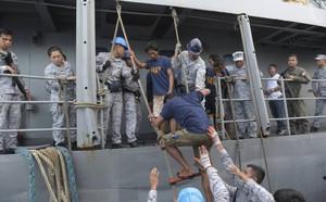 """Mỹ dọa """"ra tay"""" sau vụ Trung Quốc đâm tàu cá Philippines ở Biển Đông - ảnh 1"""