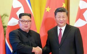 Ông Kim ra sân bay đón ông Tập: Xuất hiện nhân vật từng bị đồn đoán phải đi cải tạo lao động - ảnh 2