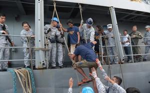 Thuyền trưởng Philippines bất ngờ thay đổi phát ngôn khẳng định tàu TQ cố ý đâm chìm sau khi gặp Bộ trưởng Nông nghiệp - ảnh 2