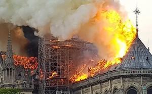 Vụ cháy Nhà thờ Đức Bà Paris: Quỹ đóng góp phục dựng nhà thờ lên tới 1 tỷ euro - ảnh 2