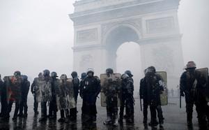 'Nhà thờ Đức Bà' và 'Những người khốn khổ' ở Paris - ảnh 1