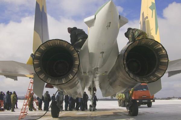 Chương trình F-35 vẫn đang bị bế tắc, thì Su-35 đã sẵn sàng được bán cho những quốc gia có nhu cầu.