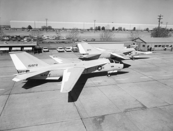 F-111 được sản xuất với nhiều phiên bản khác nhau, bao gồm: F-111A, F-111B dành cho Không quân Mỹ, F-111C dành cho Không quân hoàng gia Australia và F-111K dành cho Không quân Hoàng gia Anh.