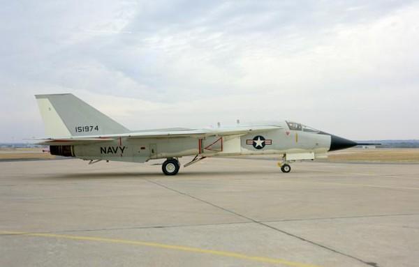"""Khám phá máy bay """"cánh cụp cánh xòe"""" của Không quân Mỹ"""