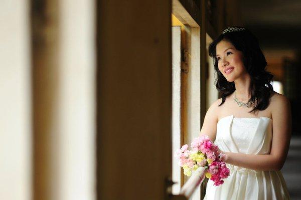 Trọn bộ ảnh cưới hot của con gái danh hài Chí Trung