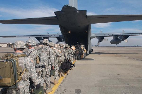 Sau khi hoàn thành khóa huấn luyện, các binh sĩ được đưa điều đi làm nhiệm vụ ở Afghanistan hay Iraq.