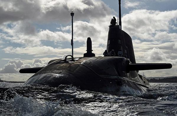 Hải quân Anh dự kiến sẽ đóng tổng cộng 7 tàu lớp Astute.  Hiện nay, nước này đã triển khai đóng 3 tàu vào các năm 2005, 2009 và 2011.