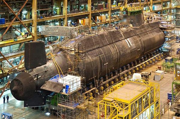 Tàu ngầm hạt nhân HMS Ambush được khởi đóng tại nhà máy của hãng BAE Systems tháng 10/2003.