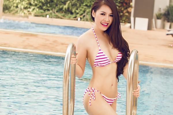 Bạn gái cũ Cao Thái Sơn tung ảnh bikini nóng bỏng