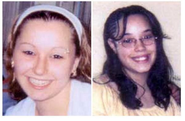 Amanda Berry (trái) và Georgina DeJesus (phải)