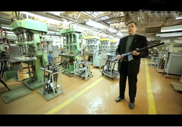 Trên lý thuyết, việc những xưởng sản xuất khác ngoài Izhevsk tự tiện sản xuất AK được xem như là bất hợp pháp. Tuy nhiên, hiện nay gần một triệu khẩu AK-47 đã được sản xuất trái phép mỗi năm.