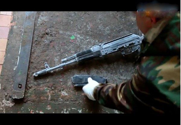Hiện nhà máy Izhmash đang phát triển súng trường tấn công AK-12, đây là phiên bản tiêu chuẩn để phát triển nhiều phiên bản khác nhau phục vụ nhiều đối tượng khách hàng, trong đó có cả thị trường dân sự.