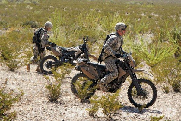 Zero MMX sẽ chỉ được sử dụng cho quân đội Mỹ. Hãng sản xuất Zero Motorcycles hy vọng khi được sản xuất hàng loạt sẽ có những giải pháp toàn diện cho loại xe này nhằm thỏa mãn các yêu cầu của giới quân sự. (Ảnh: Phiên bản xe máy quân sự AWD 450 của Christini)