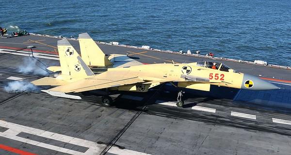 J-15 là tiêm kích tiêu chuẩn để trang bị cho tàu sân bay Liêu Ninh.
