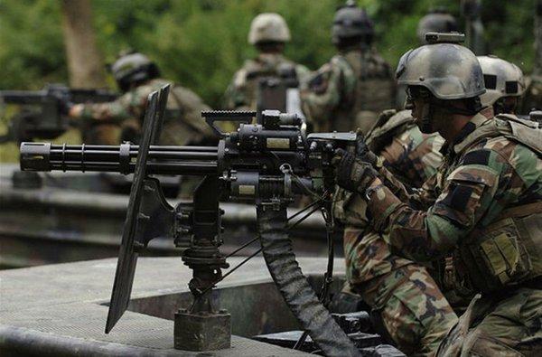 Ngoài nước Mỹ, M134 cũng được xuất khẩu, viện trợ tới nhiều quốc gia khác trên thế giới. Sau 1975, Việt Nam đã thu được một số lượng không nhỏ M134 mà quân Mỹ viện trợ cho quân đội Sài Gòn.