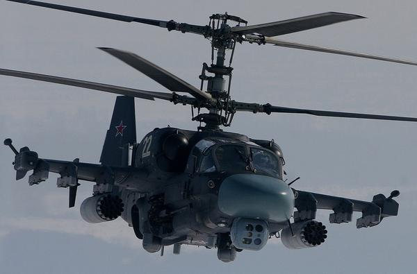 """Ka-52 cũng có sức tấn công mạnh mẽ """"không thua kém"""" Mi-28 với khả năng mang: 12 tên lửa chống tăng AT-16; tên lửa không đối không R-73; tên lửa không đối đất Kh-25; bom và rocket."""