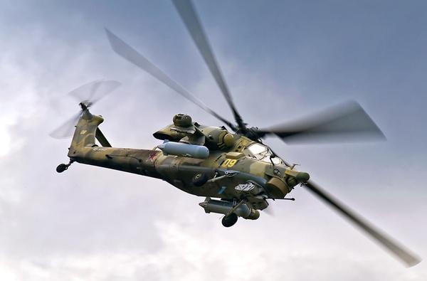 Mi-28 trang bị một pháo 30mm ở mũi máy bay, hai cánh nhỏ trên thân mang được: 16 tên lửa chống tăng AT-9; tên lửa không đối không Igla-V hoặc R-73.