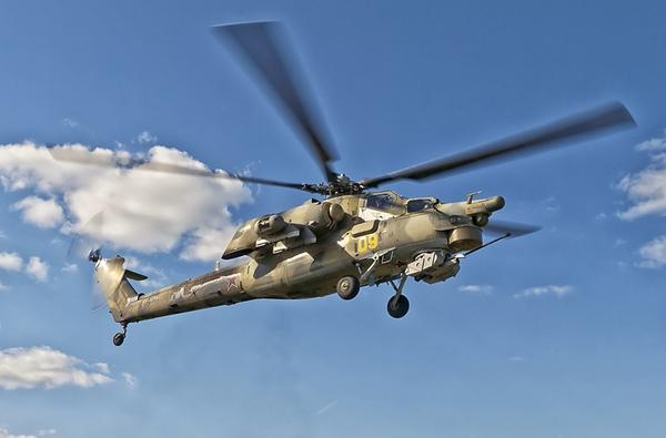 """So với trực thăng chiến đấu tối tân nhất của Mỹ AH-64 A/D Apache, Mi-28 không hề thua kém về sức mạnh hỏa lực. Nhưng nếu xét về hệ thống điện tử thì Mi-28 vẫn còn """"thua vài bậc"""". Có lẽ đây chính là lý do mà Mi-28 bị AH-64 đánh bại trong gói thầu mua trực thăng của Ấn Độ."""