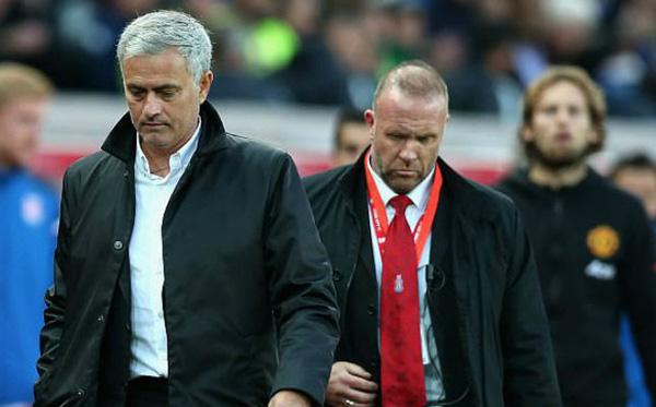 MU - Mourinho đứt mạch thắng: 1 trận hòa quý hơn 3 điểm