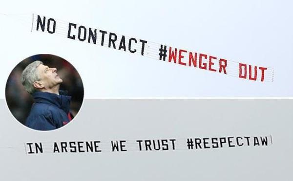 Tiết lộ BẤT NGỜ về chủ nhân thuê máy bay chở băng rôn ủng hộ Wenger