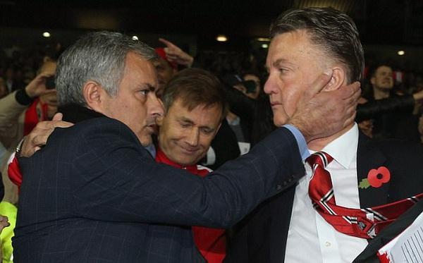 Mourinho bất ngờ đào bới lại thất bại của David Moyes và Van Gaal