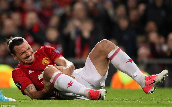 Ibrahimovic: Lúc gian khó, anh giải cứu họ; ngày chiến thắng, họ đòi