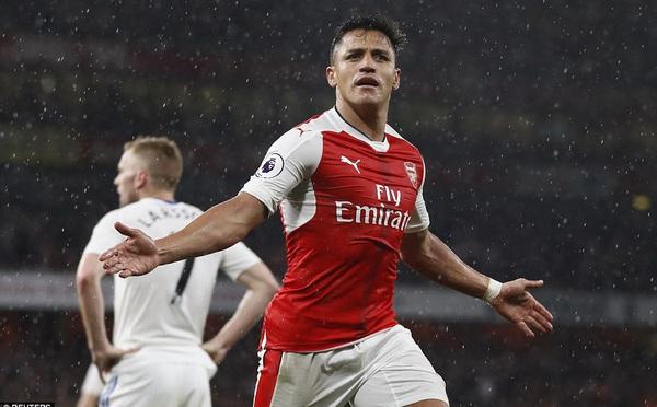 Sanchez rực sáng, Arsenal có thắng lợi quan trọng trong cuộc chiến giữ cái danh