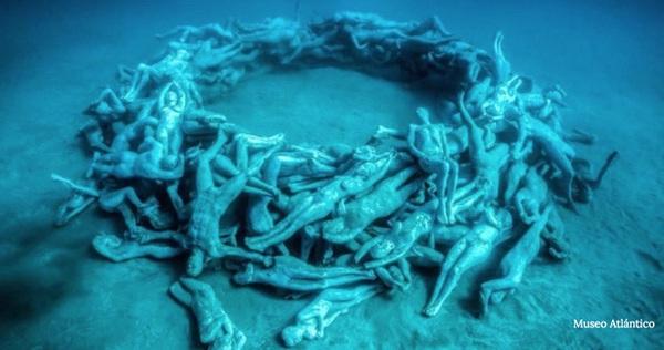 """Vùng biển khiến ai cũng phải """"lạnh người"""" khi nhìn thấy cảnh tượng ở dưới đáy"""
