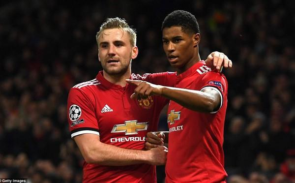 """Đêm qua, Old Trafford chứng kiến một """"sản phẩm lỗi"""" hồi sinh"""
