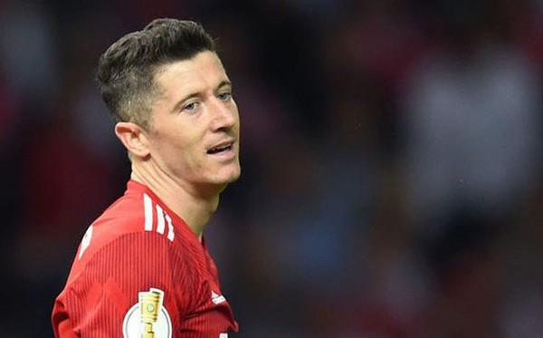Lewandowski chính thức trả lời đề nghị nặng ký từ Mourinho