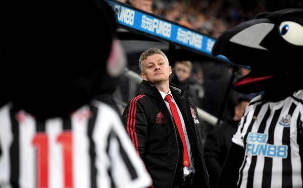 MU đấu Newcastle, ngày Solskjaer tự cứu mình...