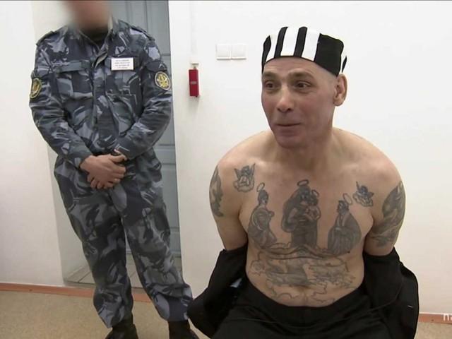Hắn đã ăn một phần thịt của nạn nhân và phần còn lại đưa cho một người bạn. Vợ của người bạn này sau đó đã dùng thịt này để nấu cho cả gia đình vì nghĩ rằng là thịt kangaroo. Nikolayev là một trong những kẻ giết người khét tiếng nhất tại Nga.