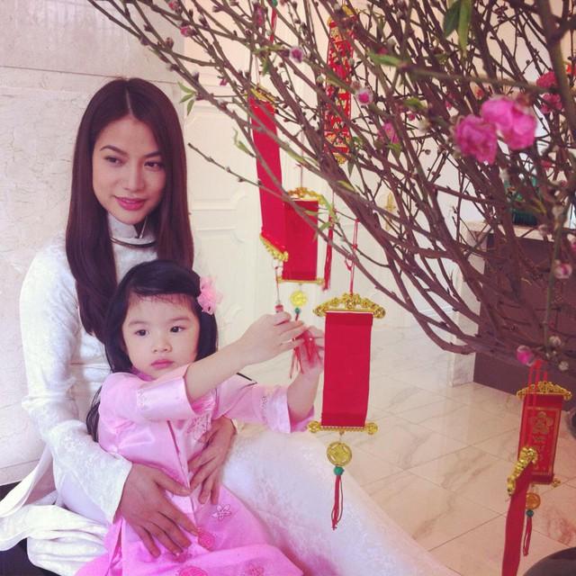 Clip nhảy Rain over me cực đáng yêu của con gái Trần Bảo Sơn - Trương Ngọc Ánh