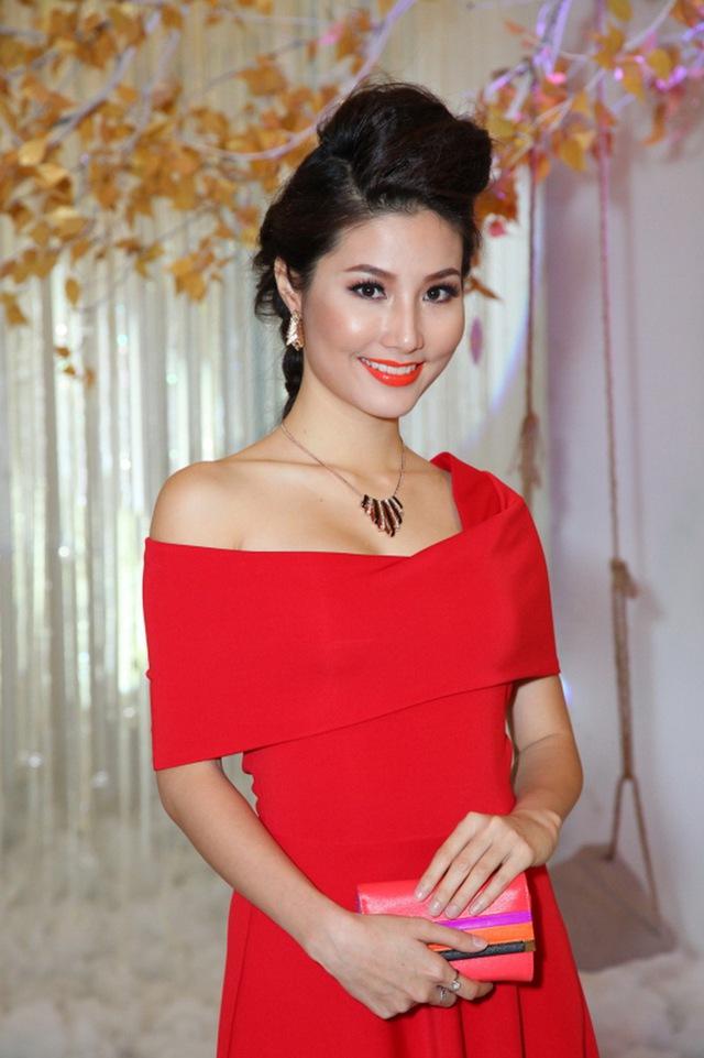 Nữ diễn viên Diễm My 9X cũng xuất hiện trong sự kiện tối qua.