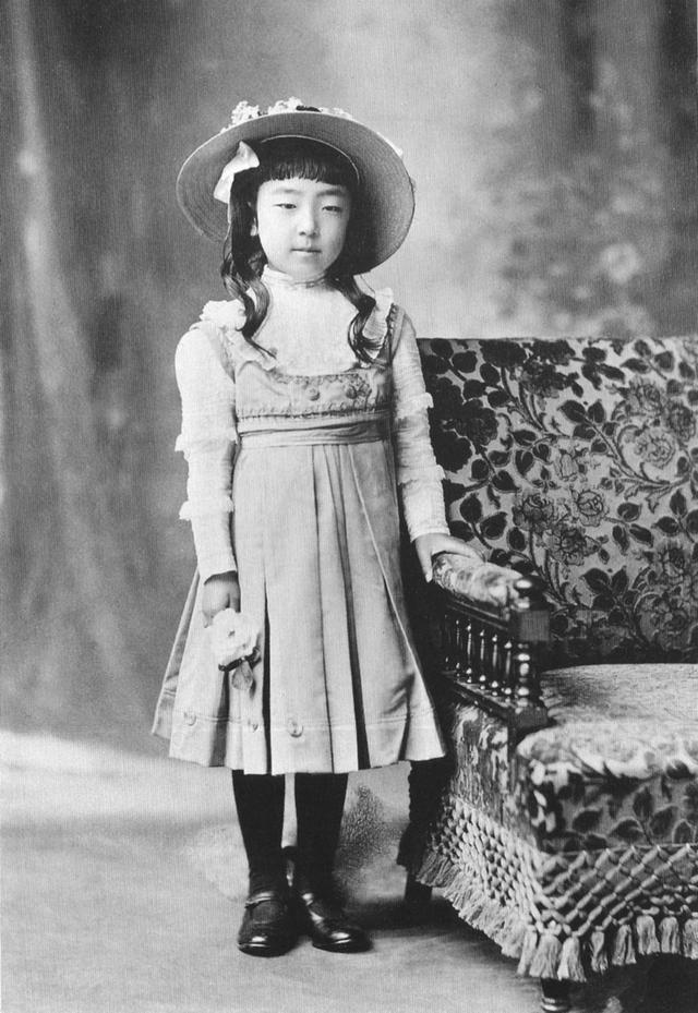 Nagako khi còn là một cô bé.