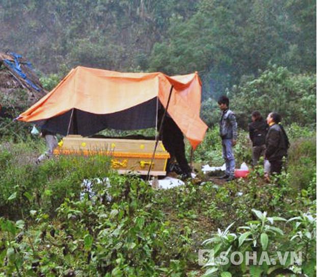 Chiều ngày 21/11, thi thể những nạn nhân xấu số đã được bàn giao cho gia đình đưa về quê mai táng theo phong tục địa phương.