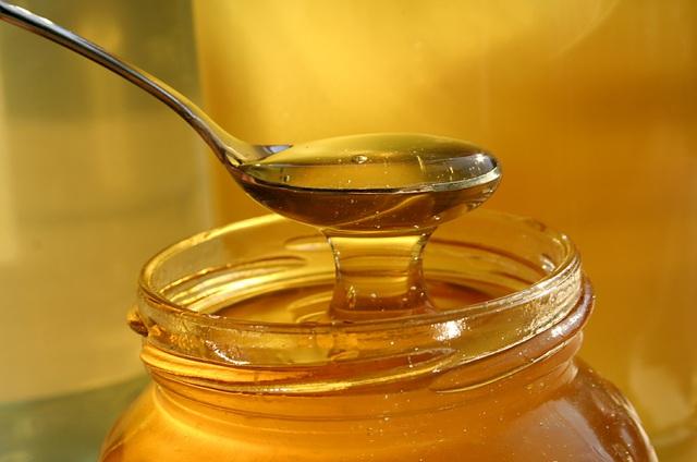 8 bài thuốc hay từ mật ong ứng dụng hàng ngày