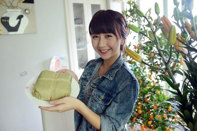 Cách cắt bánh chưng không giống ai khiến Quỳnh Anh Shyn bị ném đá.