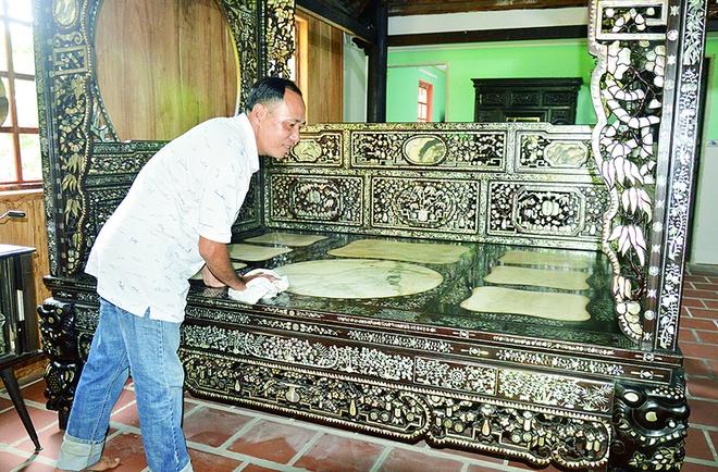 Kho báu hàng trăm món đồ cổ trị giá hàng chục tỷ đồng ở Đồng Tháp - Ảnh 1.