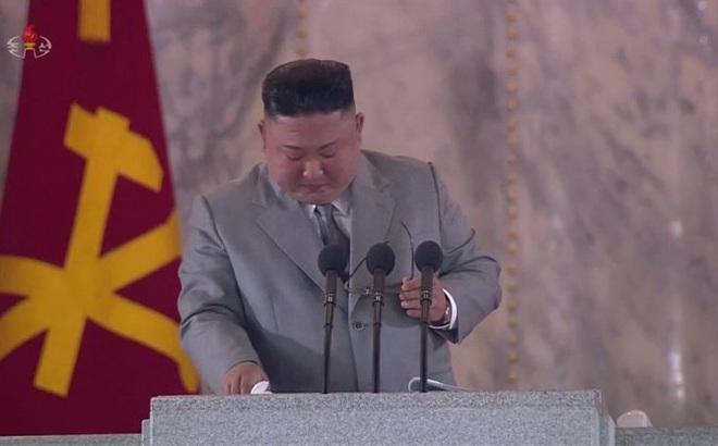 Thừa nhận điều đáng tiếc, bất ngờ rơi lệ giữa bài diễn văn quan trọng: Ông Kim Jong-un gửi thông điệp gì?