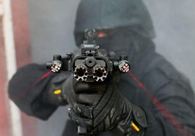"""Khám phá súng trường """"quái dị"""" dành cho đặc nhiệm"""